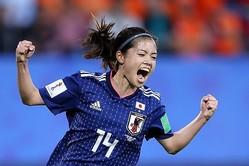岩渕との連携から鮮やかな同点弾を叩き込んだ長谷川。大一番でついにW杯初ゴールを決め、称賛された。(C)Getty Images
