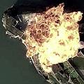 中国空軍が公開した動画の一場面。米映画「ザ・ロック」の一場面に酷似している=中国空軍のSNS「微博」公式アカウントから