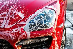 「どうせ汚れる…」 定期的に洗車しなきゃダメ? 意外と重要な洗車の必要性