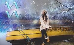 水瓶座は秘密の恋の誘惑あり?11/8〜10の月星座別メッセージ【週末の恋予報】