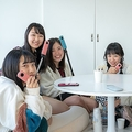 女子高生の撮影会に密着 360度カメラ「THETA」の意外な使い方が判明
