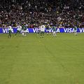 ボリビアで試合中に主審が心臓発作で死亡