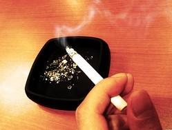 タバコを吸わない人に有休を与える社内制度に反響