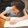 「教育虐待」女性の壮絶な体験