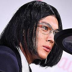 中川大志、強烈キャラ\u201c細杉くん\u201d姿で登場「代表作と思ってます」 華麗なドラムパフォーマンス