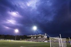 サッカーの試合中に落雷(写真はイメージです)【写真:Getty Images】