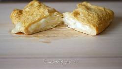 """卵焼きに包丁をスーッとすると…とろっとろチーズがドバドバ出てくる""""絶対うまいやつ""""の作り方"""
