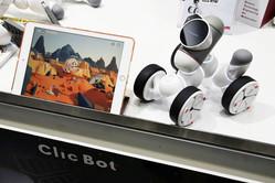 ブロック感覚の組み立て式ロボット「ClicBot」は工夫に溢れていた! 子どもでも飽きずにプログラミング