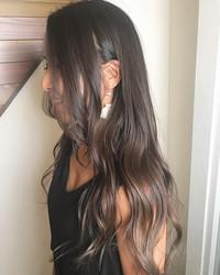 黒髪 暗髪 グラデーションカラースタイルで旬な今どき女子に Peachy