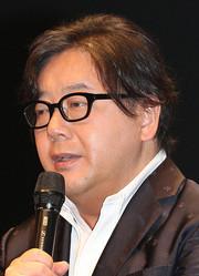 音楽プロデューサーの秋元康氏