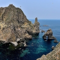 日本政府は韓国が竹島を「不法占拠」していると主張している