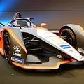「フォーミュラE」に参戦する日産のEVレーシングカー=22日、横浜市