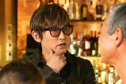 スガ シカオが地上波ドラマ初出演、真木よう子主演『よつば銀行 原島浩美がモノ申す!』に