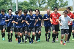 10月には来年行なわれるU-20ワールドカップの予選を兼ねた、U-19アジア選手権を控えているだけにロシア遠征は重要だ。(C) SOCCER DIGEST