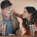 シェイクを相手の顔に合意なく塗りたくる…豪政府の性教育動画に批判の声
