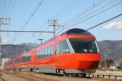 小田急電鉄がさらなる輸送増強、ホームドア設置などの設備投資計画を発表
