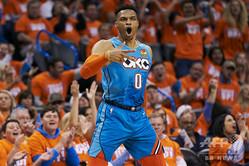 米NBAの強豪、ヒューストン・ロケッツなどが興味を持っていると報じられたオクラホマシティ・サンダーのラッセル・ウェストブルック(2019年4月19日撮影、資料写真)。(c)Cooper Neill/Getty Images/AFP