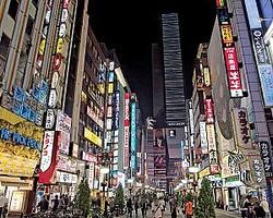 コロナで風俗から客足が遠のいた昨今。すでに歌舞伎町などの繁華街では違法店や立ちんぼが以前より増えたとの声も聞かれる
