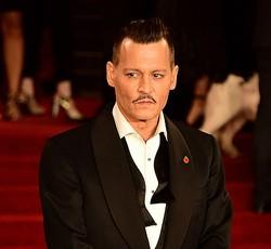 """ジョニー・デップが元妻を非難、DV""""被害""""も訴え"""