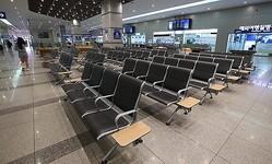 日本観光のキャンセルによって韓国と日本を行き来する旅客船のキャンセルが相次いだところ、運休事態が起きている。8月1日釜山東区の釜山港国際旅客埠頭内の出国場前に人がおらず夏季休暇シーズンであるにもかかわらず閑散としている。ソン・ボングン記者