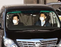 国母容疑者を乗せたとみられる車が検察へ(8日朝)