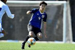 全日本大学選抜戦で途中出場した橋岡は、関川とCBでコンビを組んだ。写真:金子拓弥(サッカーダイジェスト写真部)