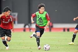 昨年のU-20W杯にも出場した、横浜FCの斉藤光毅。写真:徳原隆元