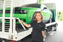 会社がある滋賀県を拠点に、積載車を走らせる立石舞乃さん