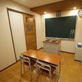 教室にしか見えない部屋も 映えるラブホテル「SARA錦糸町」に行ってみた