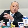 インタビューに答える明治の松田克也社長=5日午前、東京都中央区