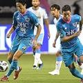金崎(左)、F・トーレス(右)が良さを発揮するも、鳥栖は2試合連続無得点となった。写真:徳原隆元