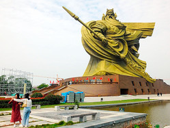 中国湖北省荊州市の関羽像=AP