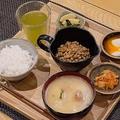 生涯無料パスポートの対象セット「納豆ご飯定食(梅コース)」(納豆社がCFを募った2019年のリリースより)
