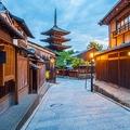 人気都市ランキングダウンの京都(写真/アフロ)