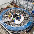 未知のズレ 素粒子物理学揺らぐ?