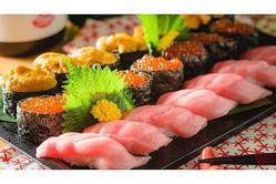 格安「寿司食べ放題」が凄い! この安さで中トロ&ウニ&イクラもOK!?