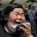 韓国ソウルで朴元淳(パク・ウォンスン)市長の追悼式に参列した人々(2020年7月11日撮影)。(c)Ed JONES / AFP