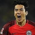 ドイツでもっとも馴染み深い日本人フットボーラー、長谷部誠。今季は上位戦線を戦うフランクフルトを力強く牽引している。(C)Getty Images