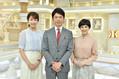 TBS「Nスタ」に加入する良原安美アナウンサー(左)。メインキャスターの井上貴博アナ(中央)とキャスターのホラン千秋