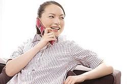 中国ではほとんどの人がスマホを所有していて、もはやガラケー(フィーチャーフォン)を見かける機会はほとんどなくなったと言って良いだろう。(イメージ写真提供:123RF)