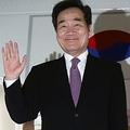 日本へ出発する李首相=22日、城南(聯合ニュース)
