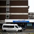 イギリスの新型コロナ死者 疑い例を含めて5万5000人に迫る