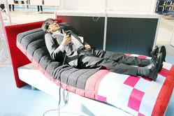 眠りの質を改善するベッド! 「フランスベッド×with HOME睡眠サービス」は9割の人が悩む睡眠の悩みを解消できるか?