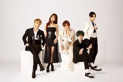 男女5人組ユニット「AAA」