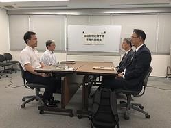 協議に臨む両国の関係者=12日、東京(共同取材団=聯合ニュース)