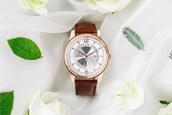 """ロバーの新作腕時計「ヴォーグ」""""時計内部を透かしてみせる""""スケルトン文字盤"""