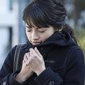 冬は血行が滞り肩がこりやすく「重いコート」も悪化原因の一つ