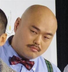 お笑いトリオ、安田大サーカスのクロちゃん