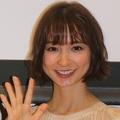 篠田 大島との過去の写真に反響