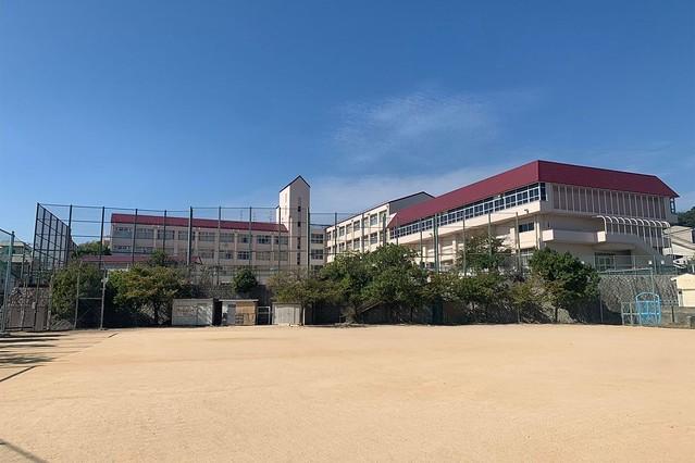 小学校 校長 東須磨 前